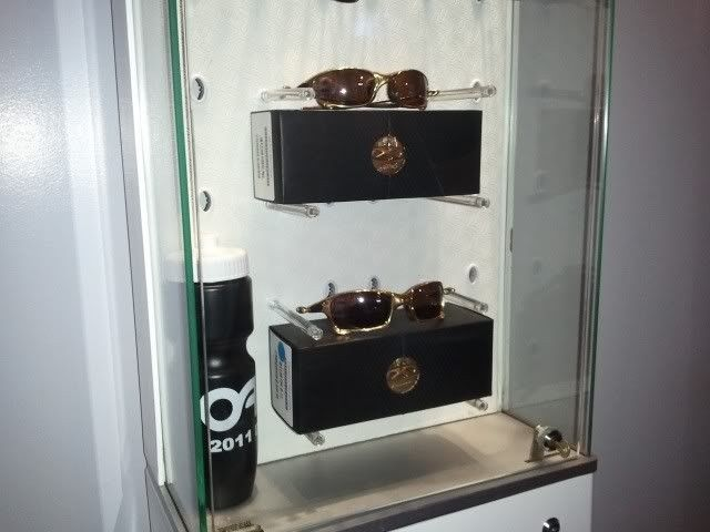 Oakley Women's Display Case for your Sunnies.... - 2012-03-25155218.jpg