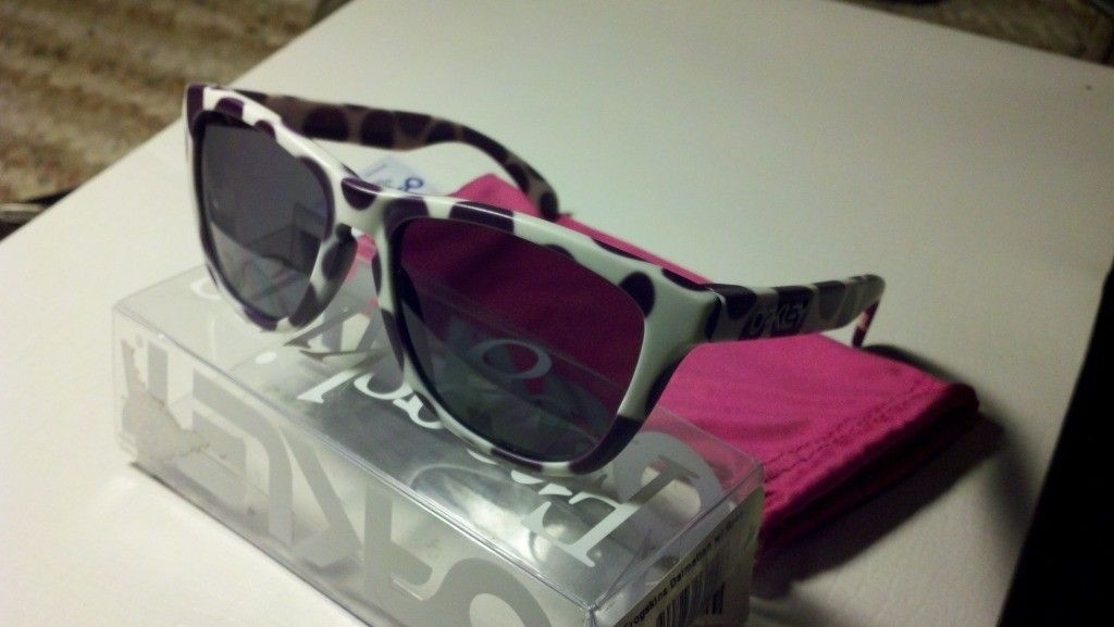 Frogskins For Sale!(Dalmatians, Wildberries & Milk, Splatter, & Possibly BLENDS!) - 2012-05-13_21-10-07_400.jpg