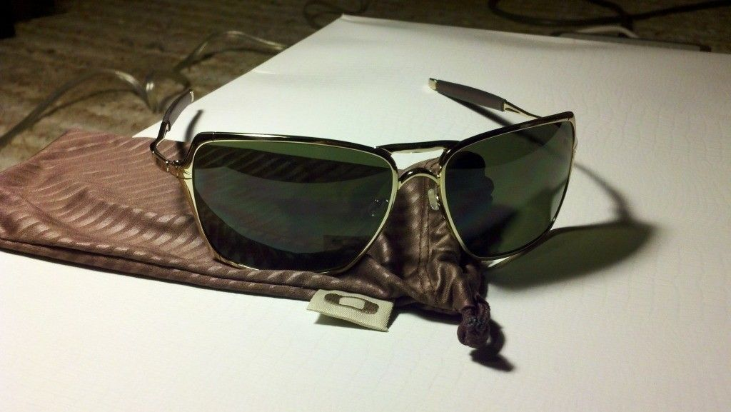 Random Different Oakleys For Sale - 2012-05-13_21-38-00_376.jpg