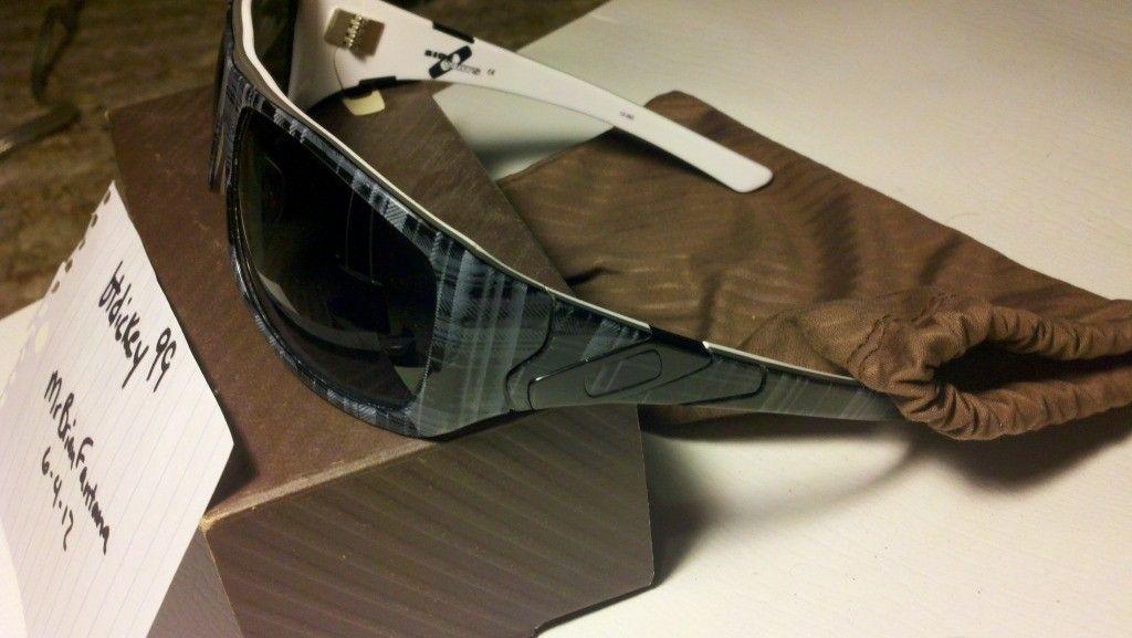 Polarized Oakley Sideways...85shipped!!! - 2012-06-04_16-53-55_496.jpg