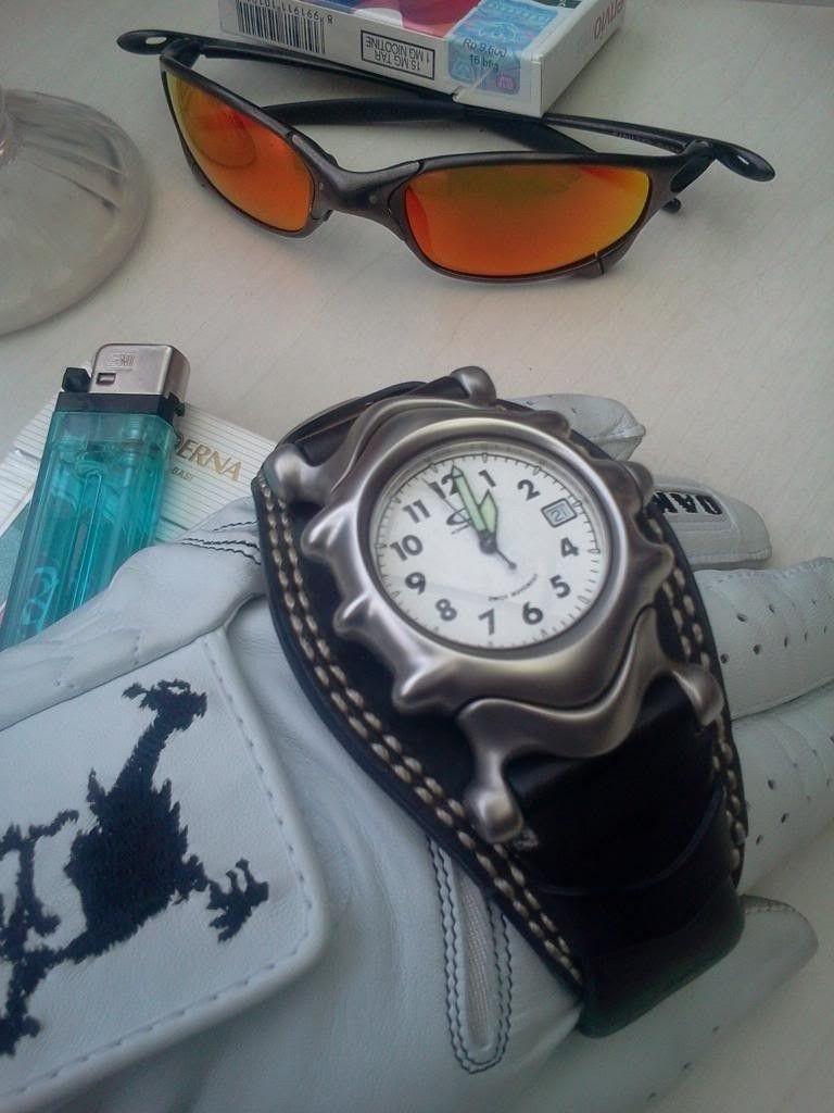 WTS Oakley Watch Saddleback White Dial - 2012-11-21130109.jpg