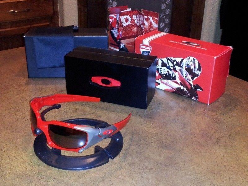 Oakley DUCATI PIT BOSS Elite Sunglasses Complete - 20120518_144141.jpg