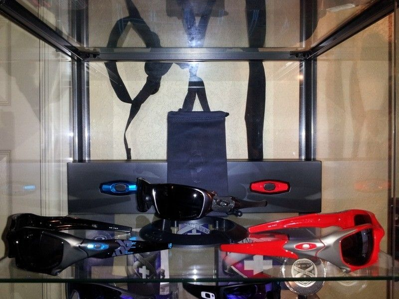 Oakley DUCATI PIT BOSS Elite Sunglasses Complete - 20120518_145435.jpg