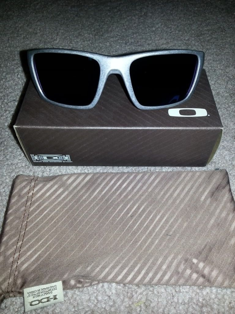 Oakley Sale (Carbon Fiber Radar And More) *PRICE DROP* - 20121008_213357.jpg