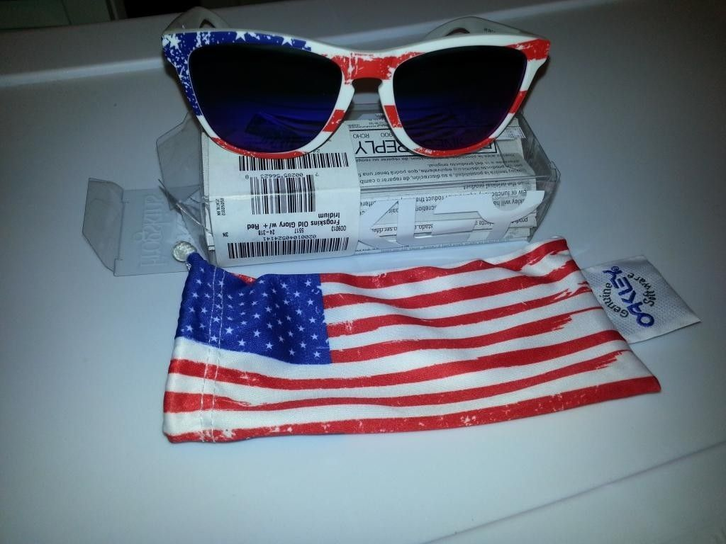 OLD GLORY FROGS BNIB +red - 20121031_192853.jpg