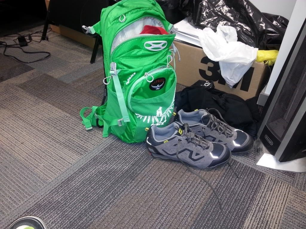 Hydration Backpacks - I Need A Large One. - 20130508_073023_zpsd57f2cfe.jpg