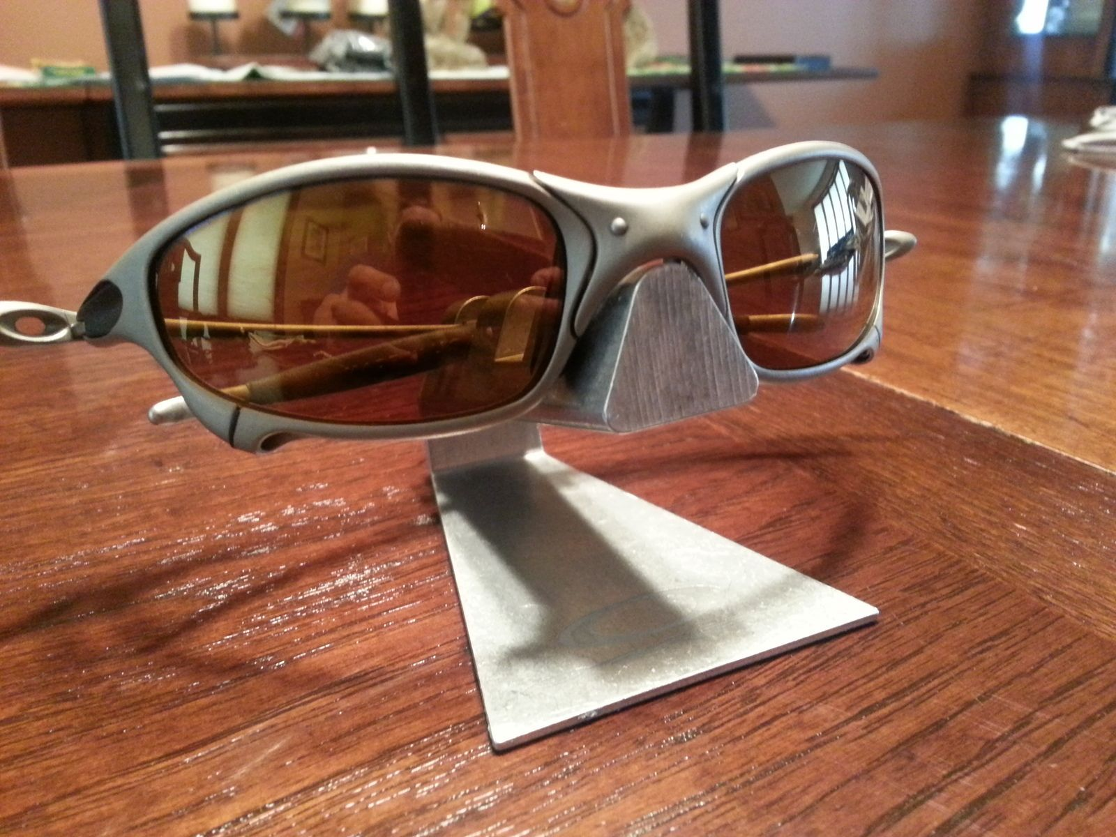 gold oakleys irfu  1st Gen Juliet : Titanium/Gold