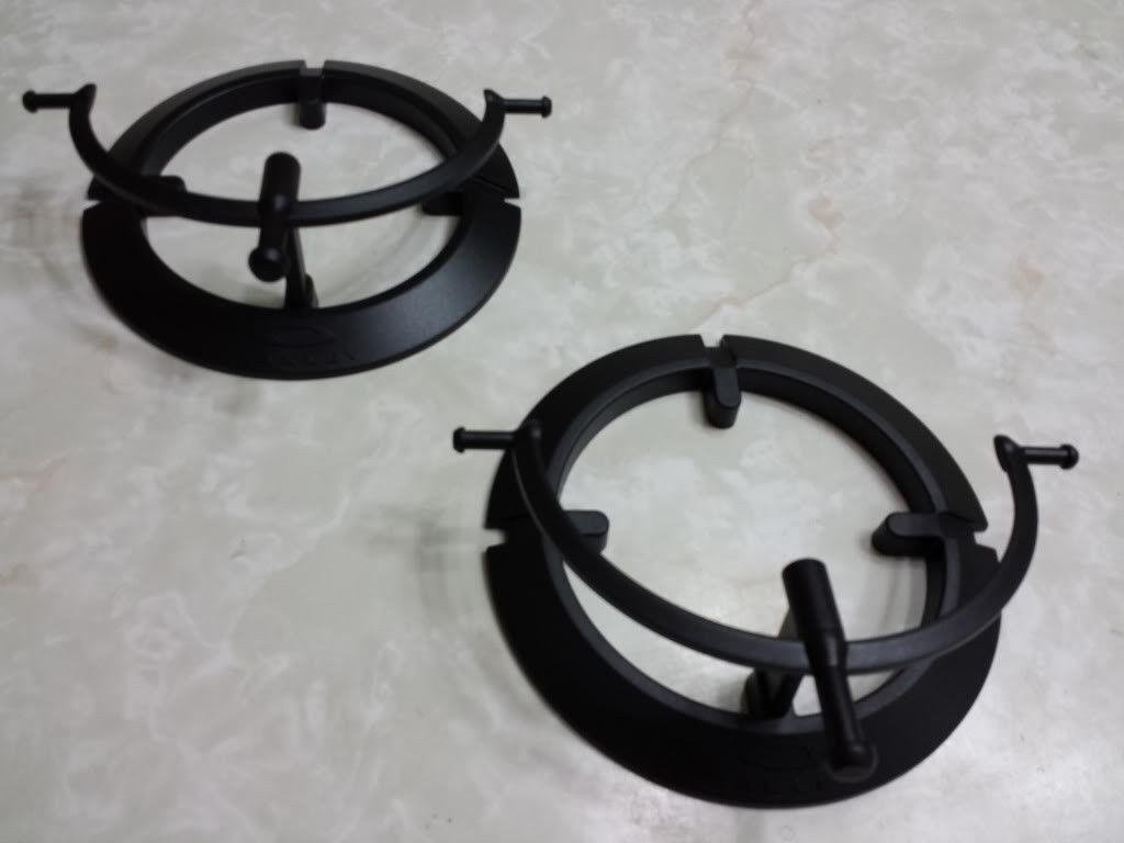 2 Single Tier Plastic Stands - 20130808_194123_zps653cc81e.jpg