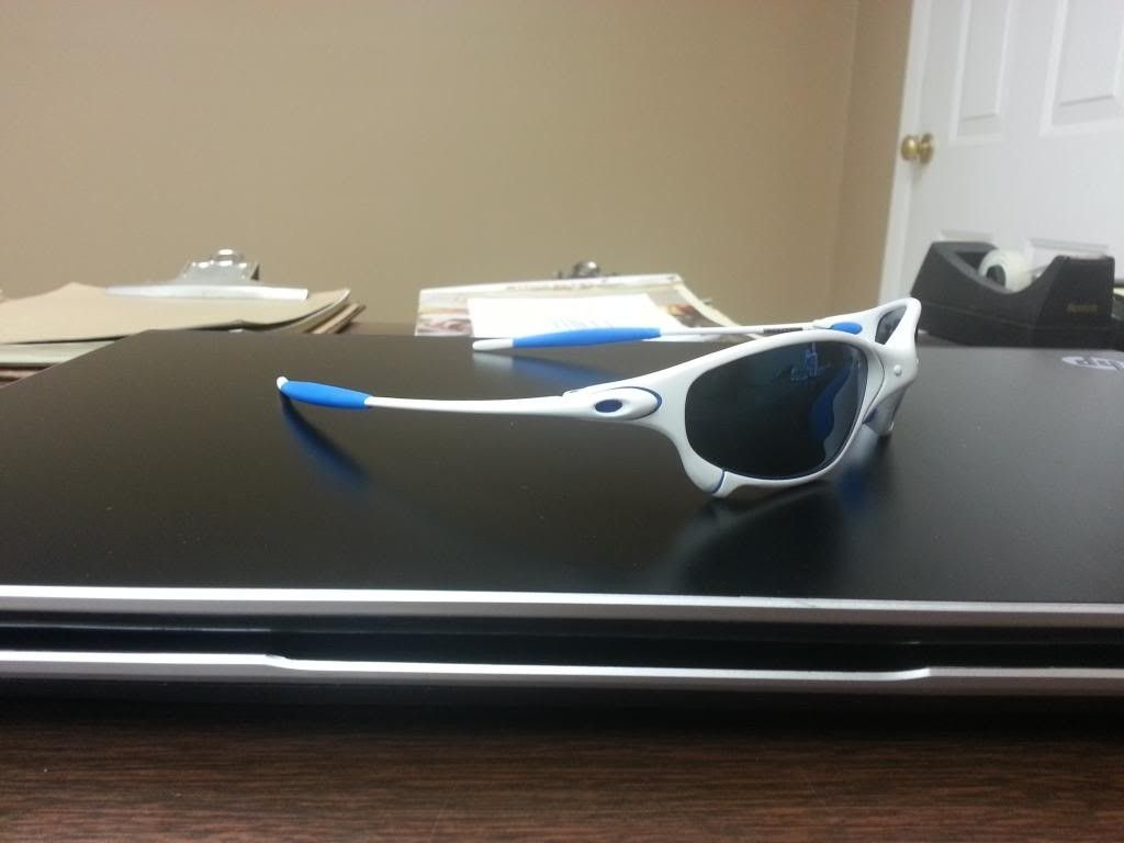 White Oakley Juliets With Blue Linegear Rubbers And Ice Iridium Lenses - 20131113_110215_zpse2e07ec9.jpg