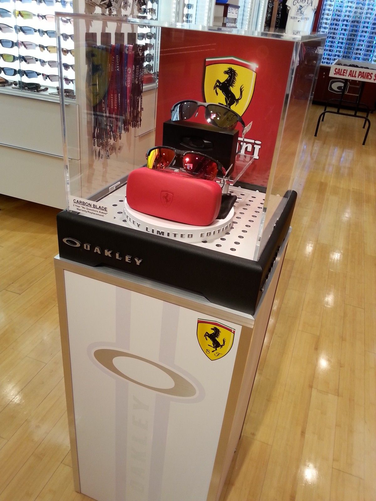 Custom Oakley Ferrari Display Case - 2014-04-10 20.14.13.jpg