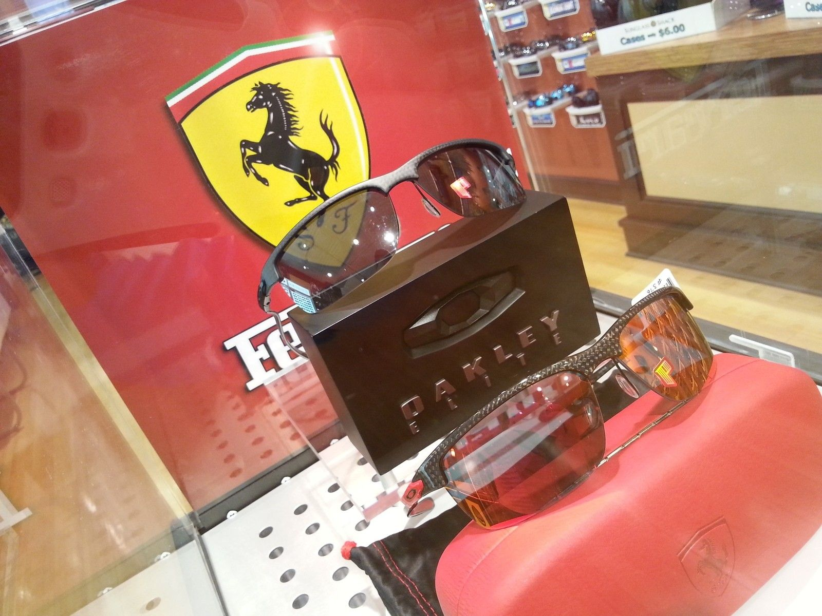 Custom Oakley Ferrari Display Case - 2014-04-10 20.14.37.jpg