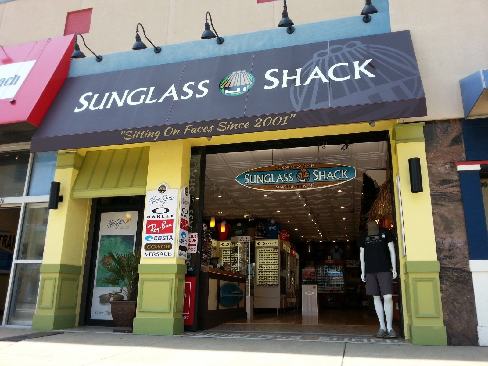 Check Out My Slogan On My New Awning, Lol   ;-) - 2014-05-08 13.00.27.jpg
