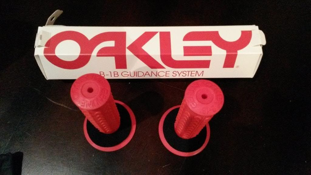 Oakley Stuff That You Will Probably Never Use... Ever - 20140116_214517_zpscp2bmfmc.jpg