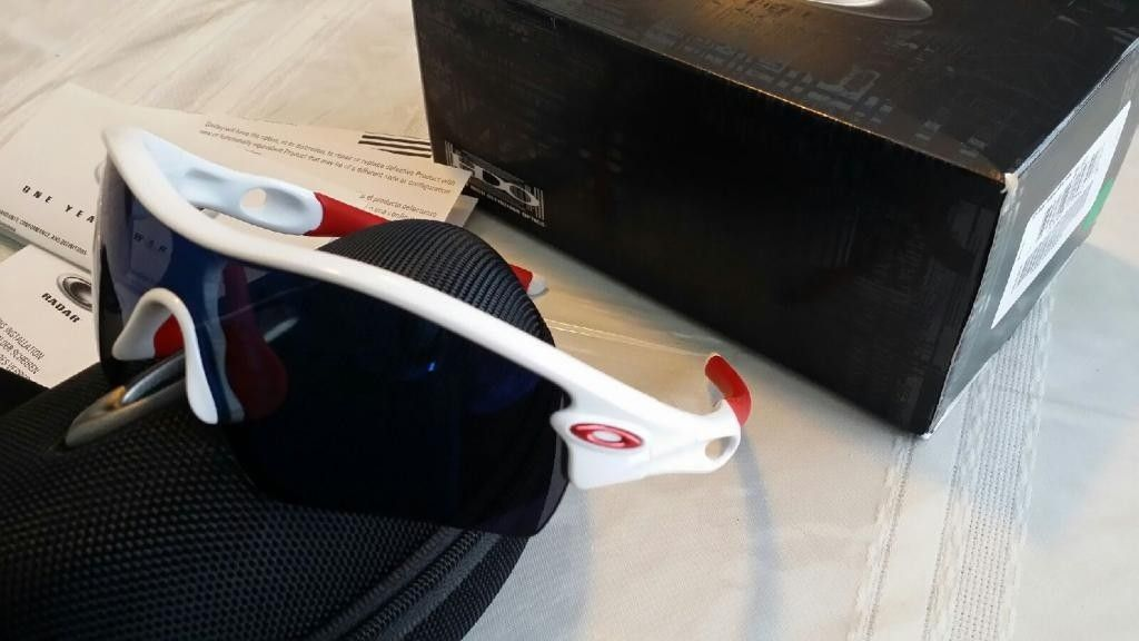 Polished White Oakley Radars With Ice Lenses - 20140129_162933_zps25c6dab7.jpg