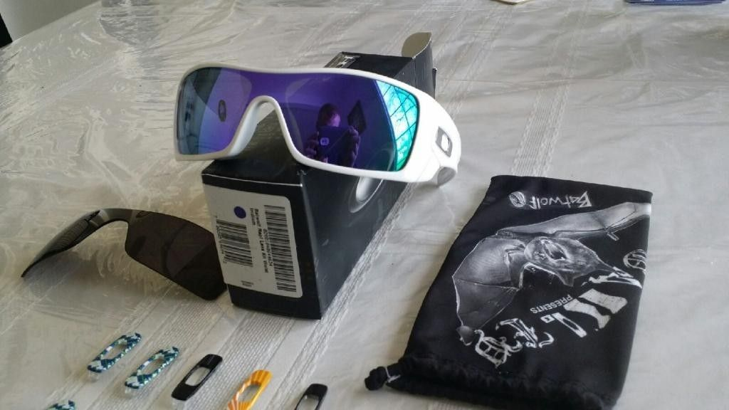 White Batwolfs Violet Lenses With Lots Of Extras - 20140417_154821_zps534f15f9.jpg