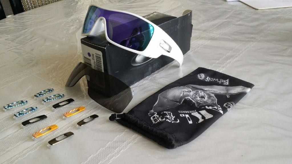 White Batwolfs Violet Lenses With Lots Of Extras - 20140417_154946_zps11c4edf1.jpg