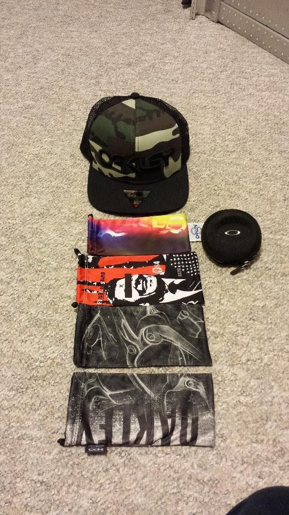 Few Micro Bags, Watch Vault (small), Camo Mesh Snap Back - 20140424_010749_zpskzgtjq83.jpg
