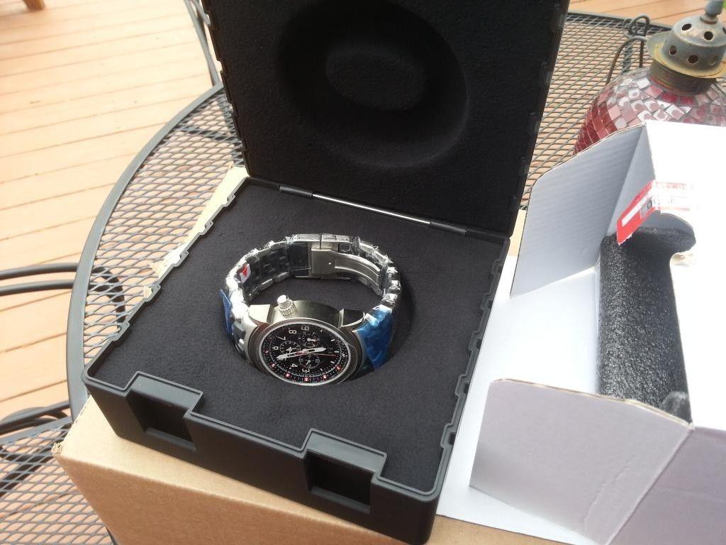 12 Gauge Stainless Carbon Bracelet Black - 20140502_152723.jpg