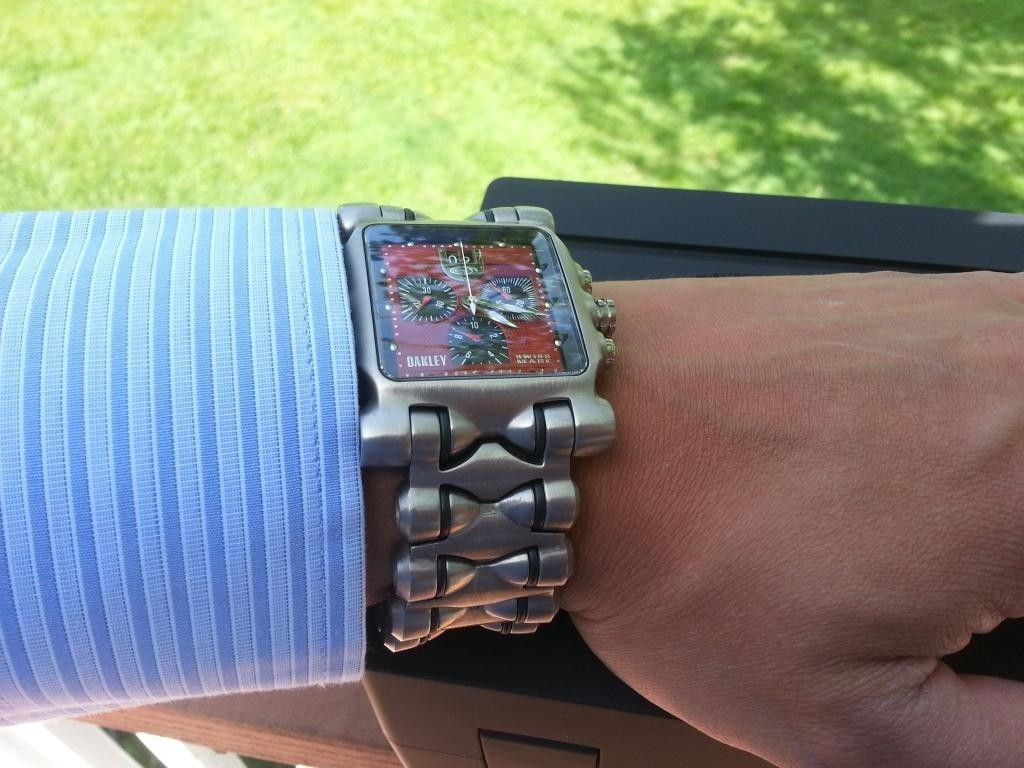 Minute Machine Red Dial Titanium Bracelet - 20140503_162131.jpg