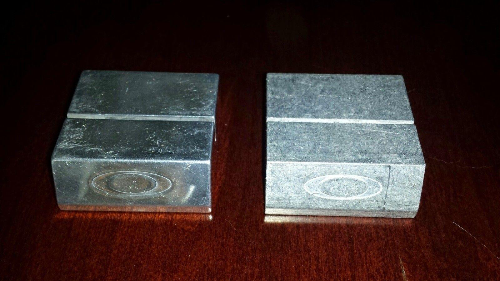Chrome X-Metal Coin Holder - 20140508_191717.jpg