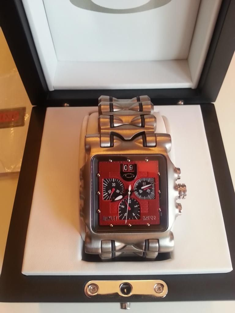 Minute Machine Red Dial Titanium Bracelet - 20140610_201546_LLS.jpg