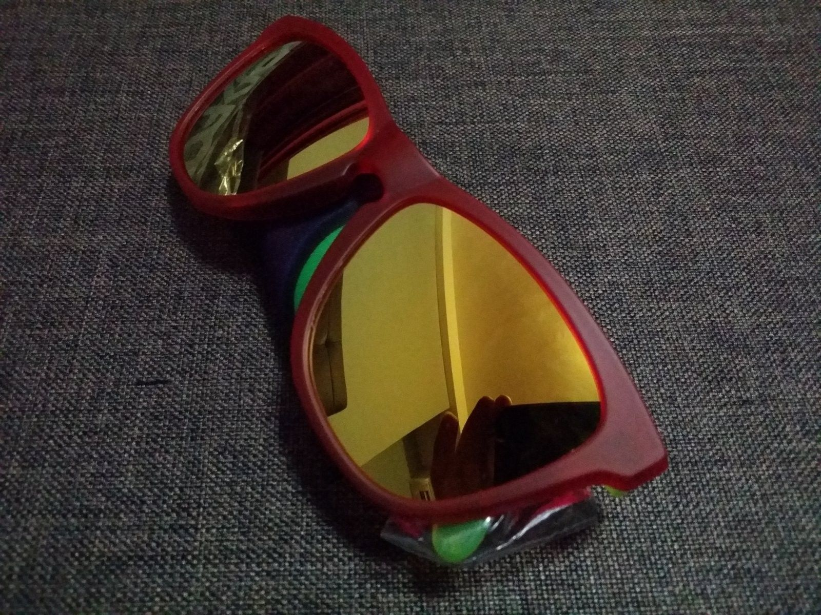BNIB Backlight 24k Frogskins - 20140725_074220.jpg