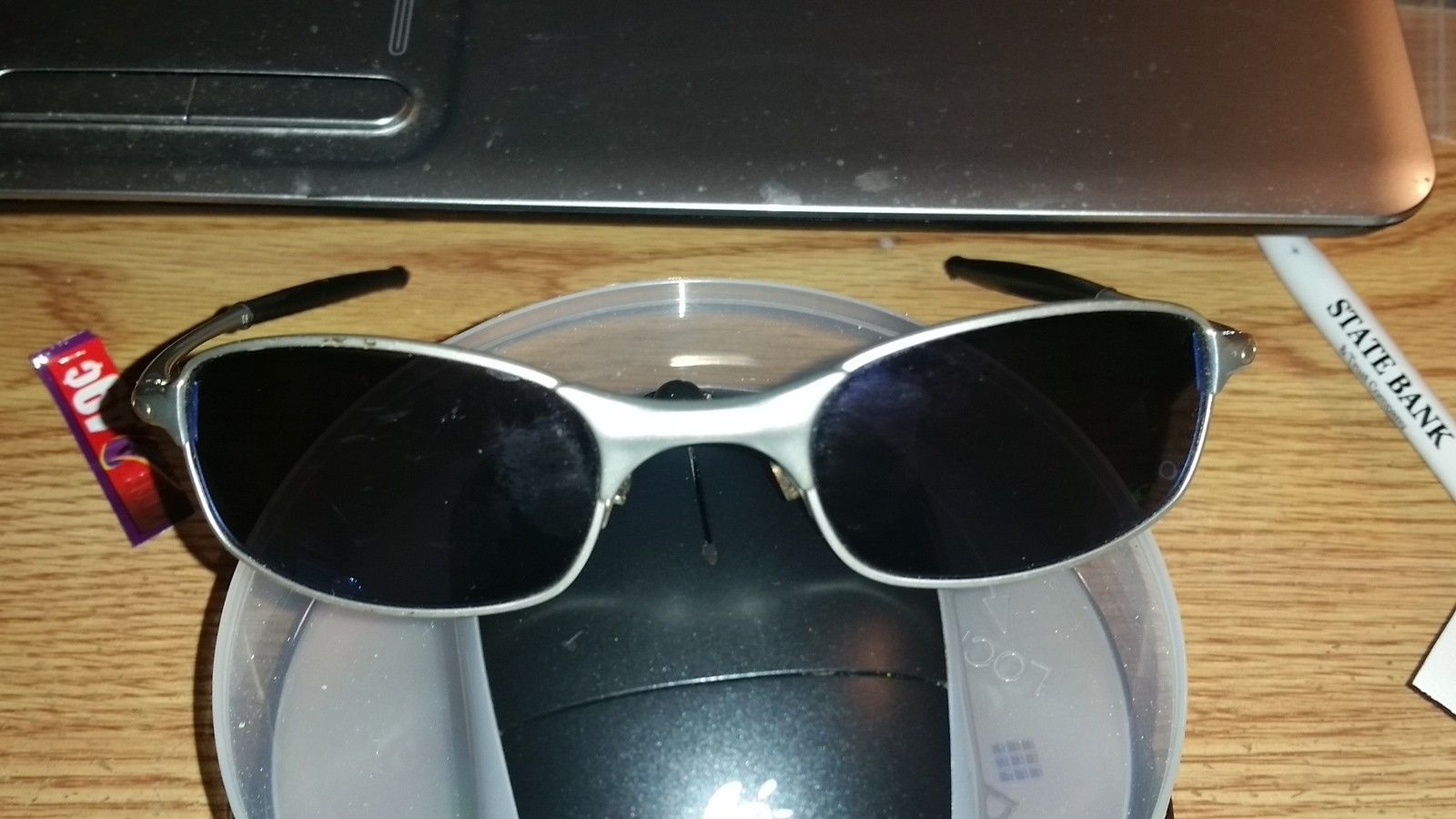 A lil help newbie! can anyone please help me to dentifying this particular pair of Oakleys - 20141223_213048.jpg