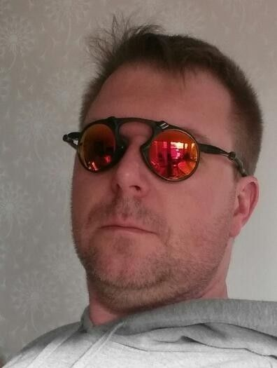 b4a80b90ba1 Madman Sunglasses Oakley - Bitterroot Public Library