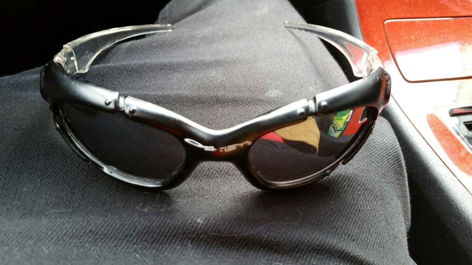 Are these authentic Oakley? - 2015-06-25 15.35.08.jpg