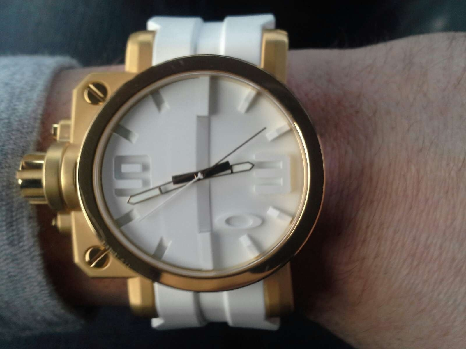 Gearbox white and gold - 20150102_144145.jpeg