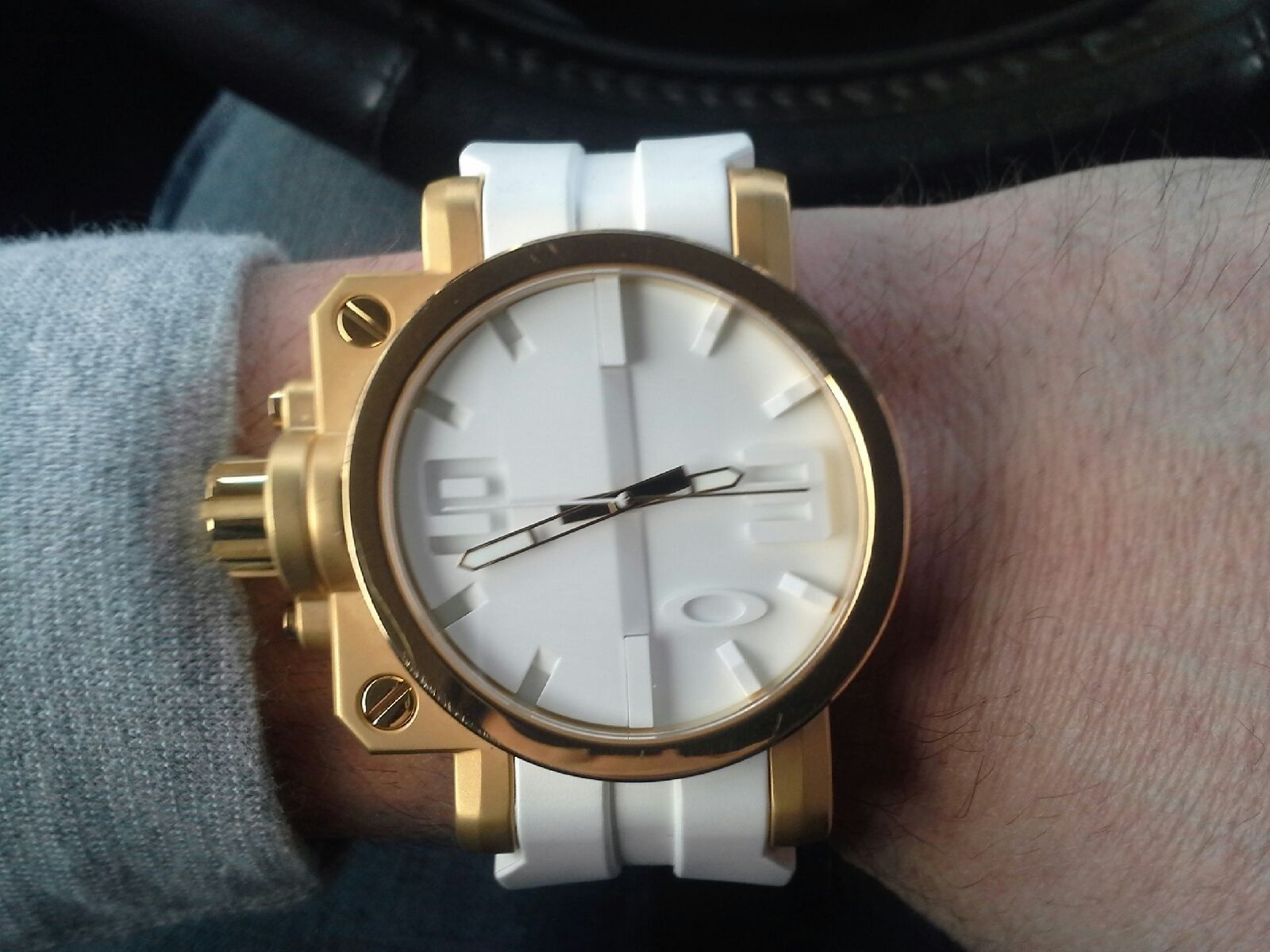 Gearbox white and gold - 20150102_144151.jpeg