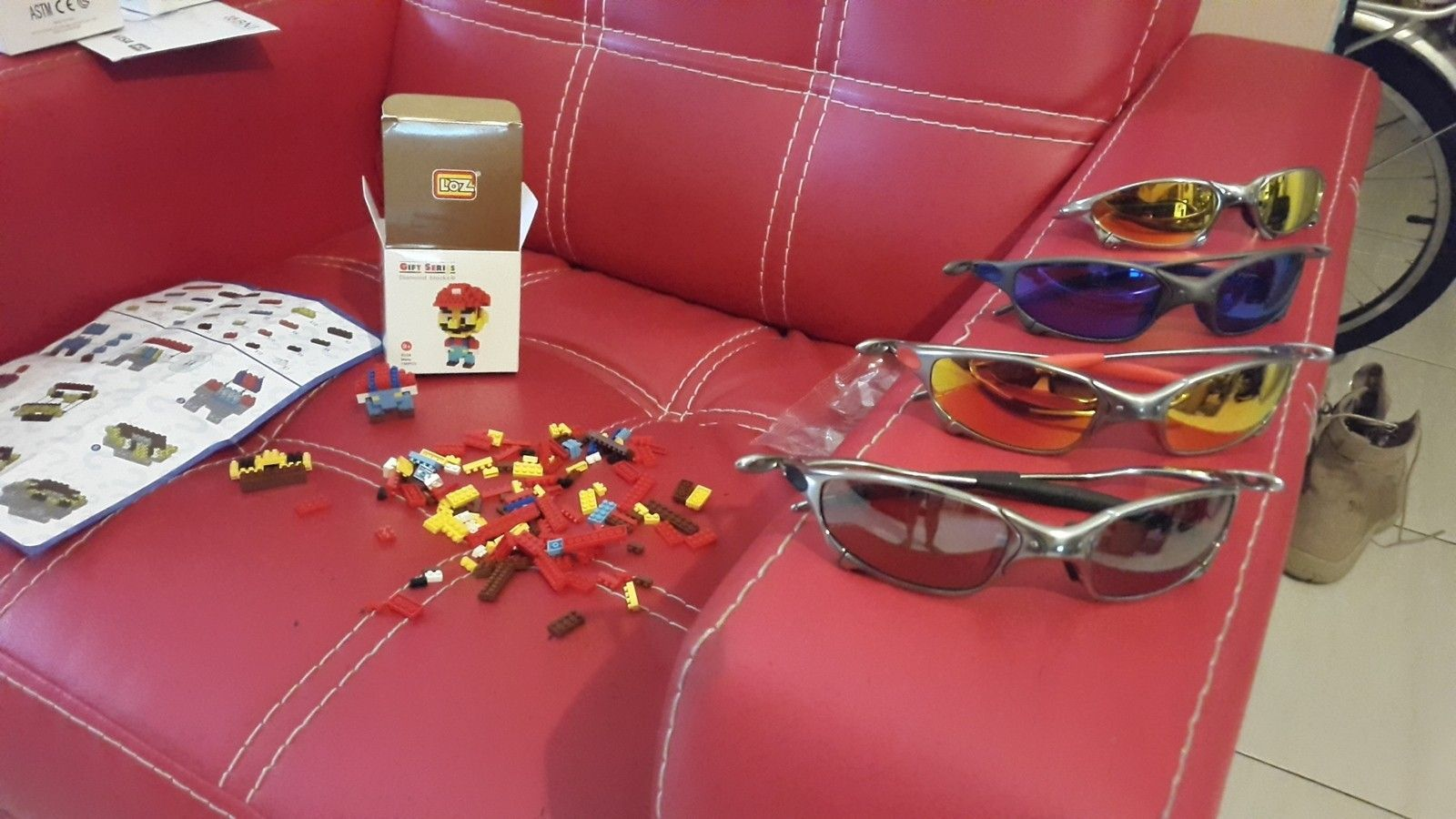 Mini Lego's and Oakleys - 20150107_104920.jpg