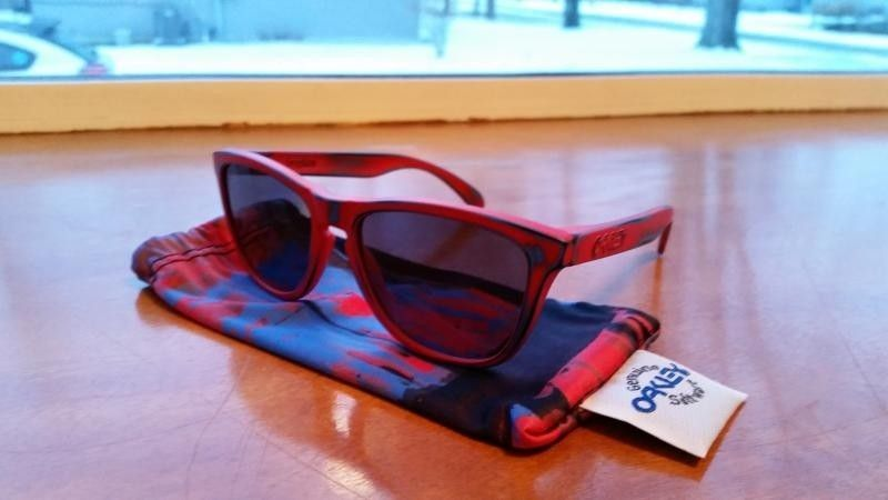Skatedeck Holbrook, Skatedeck Frogskins, MotoGP and Chrome/Fire Deviation, and Valve CF - 20150124_080804_zpslzibln2n.jpg