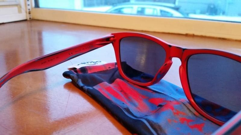 Skatedeck Holbrook, Skatedeck Frogskins, MotoGP and Chrome/Fire Deviation, and Valve CF - 20150124_080832_zpsxcusx8su.jpg