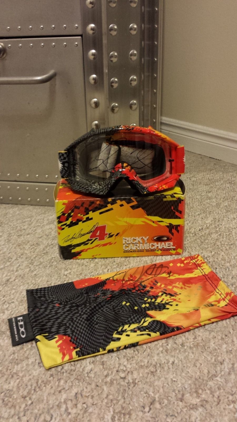OR FS: OTT FMJ Fire used, Heritage Eyeshade fire and RC MX Goggles - 20150427_231759_zps6dfld6st.jpg