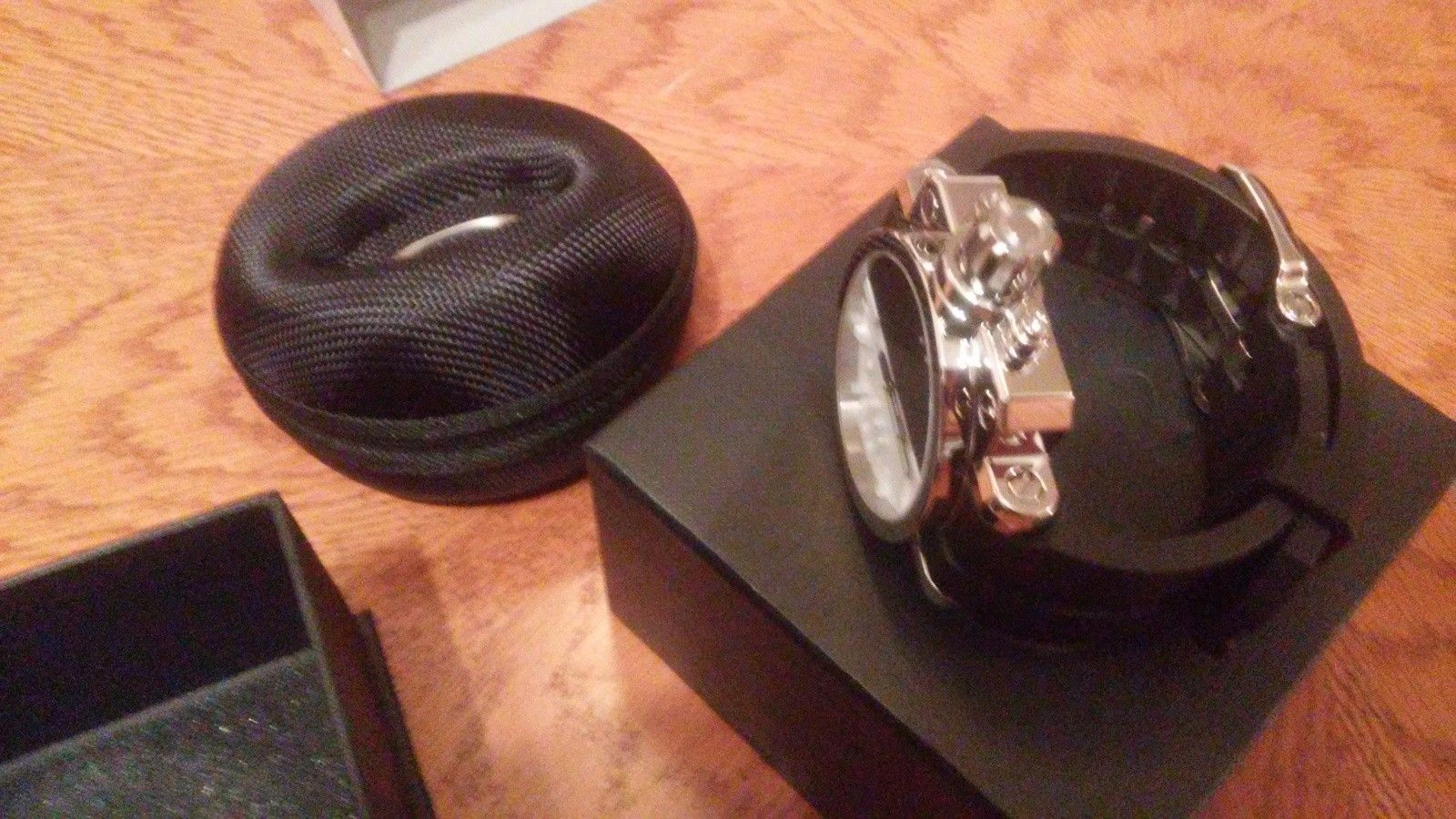Oakley polished black/white gearbox(bnib) - 20150706_090133.jpg