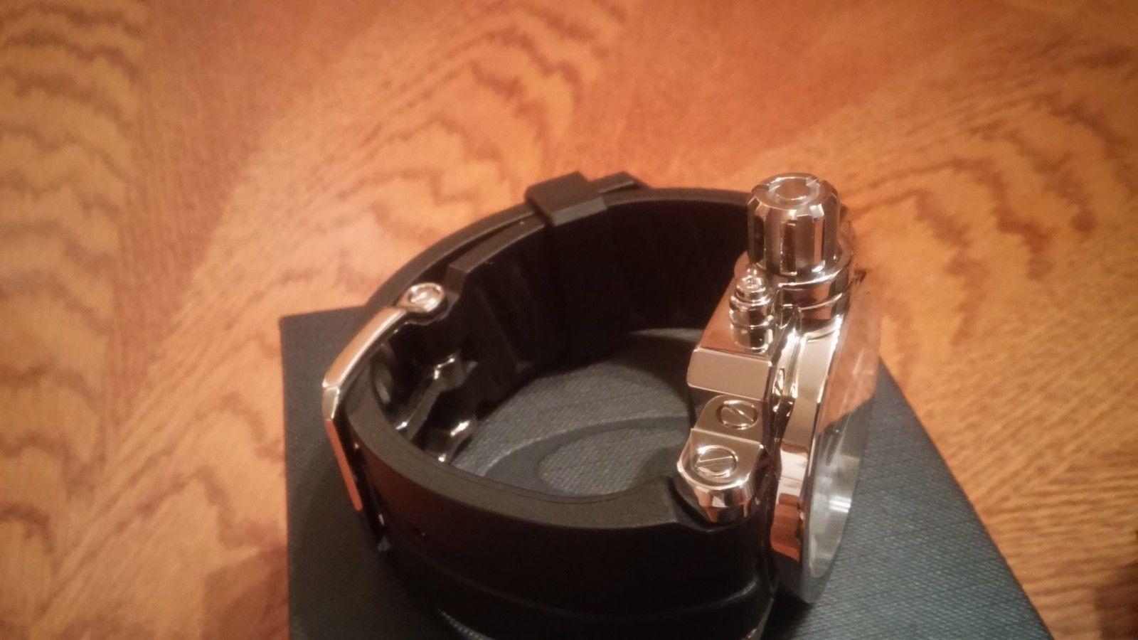 Oakley polished black/white gearbox(bnib) - 20150706_090230_HDR.jpg