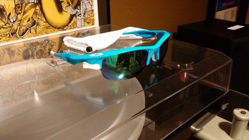 Sky Blue Fast Jackets w/ Jade Iridium lenses - 20150707_205431_zpsto6smpxy.jpg