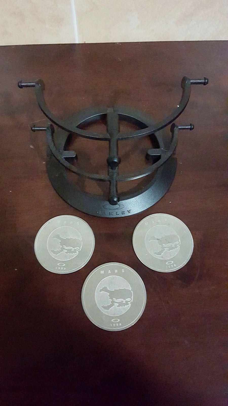 Mars coin and 2 tier stand - 20150921_203214_zpsajwegstq.jpg