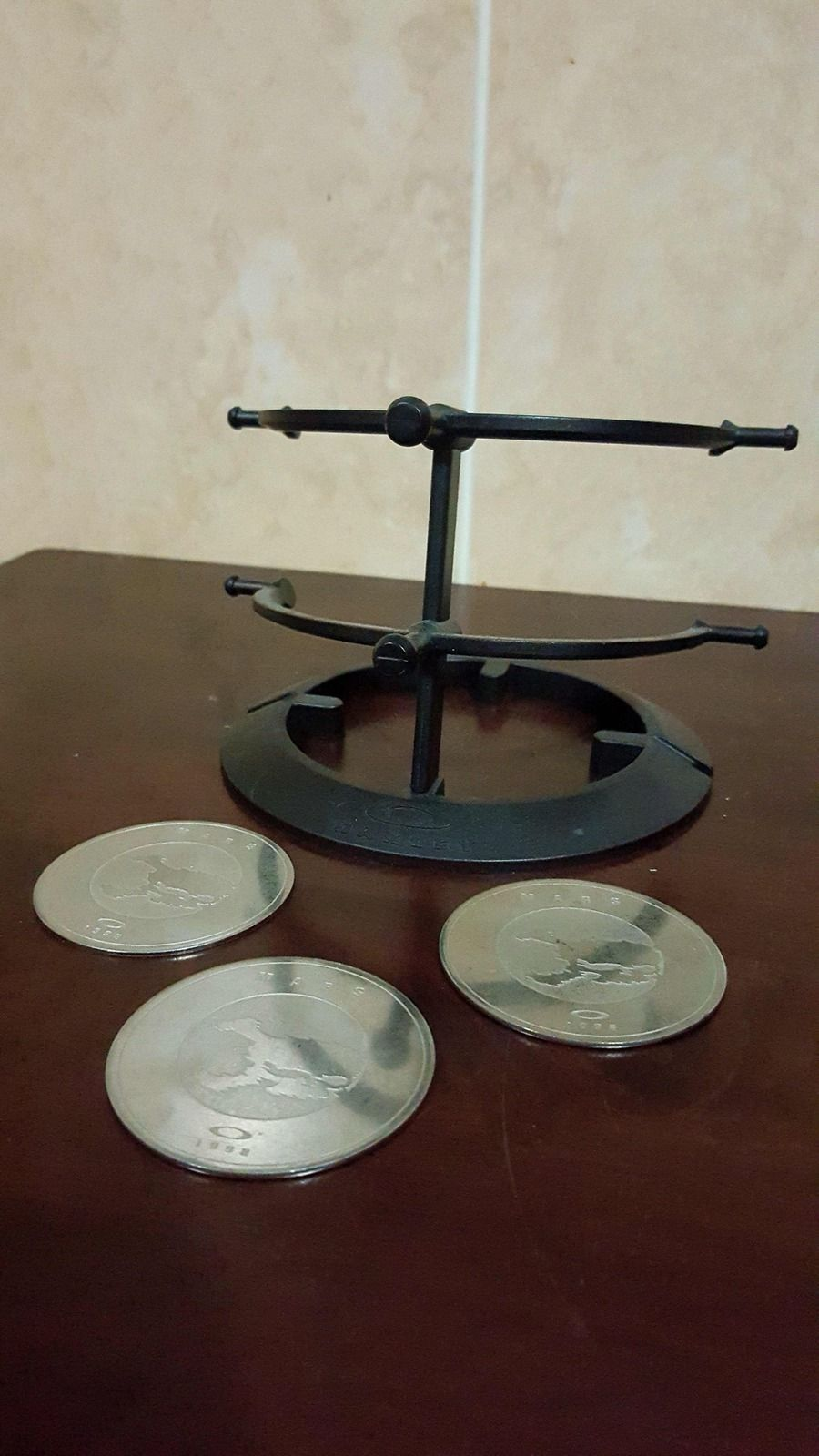 Mars coin and 2 tier stand - 20150921_203247_zpsiiecbxiu.jpg