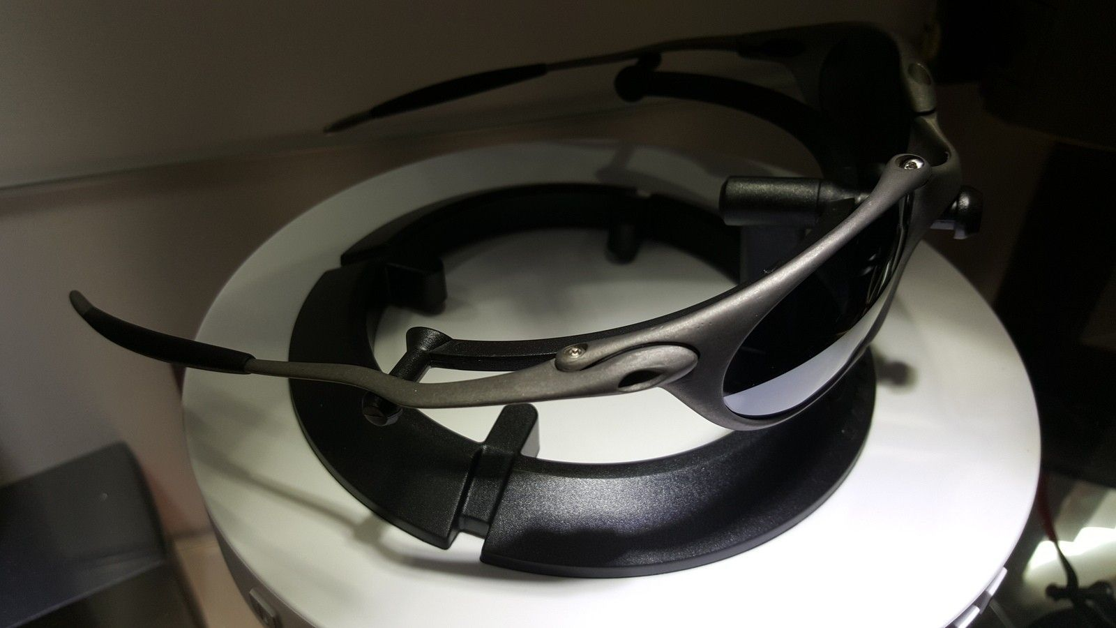 X metal Romeo 1(brand new OEM lenses) - 20151009_074957.jpg