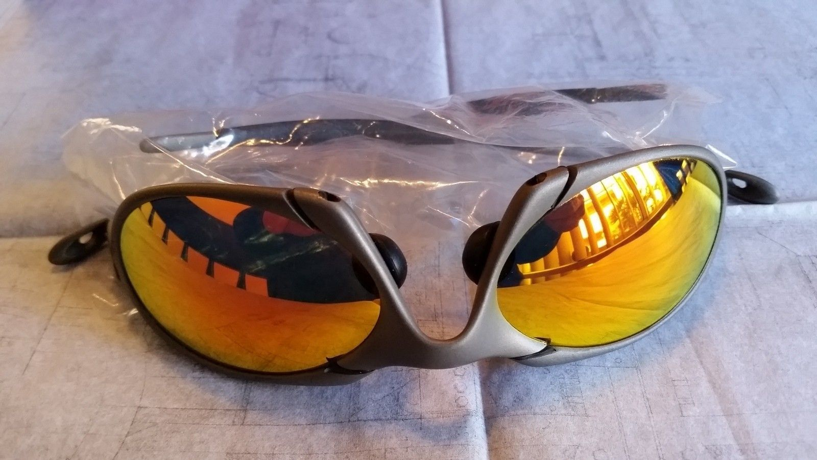 for sale Oakley Romeo 1 x metal Excellent condition - 20151125_092504.jpg