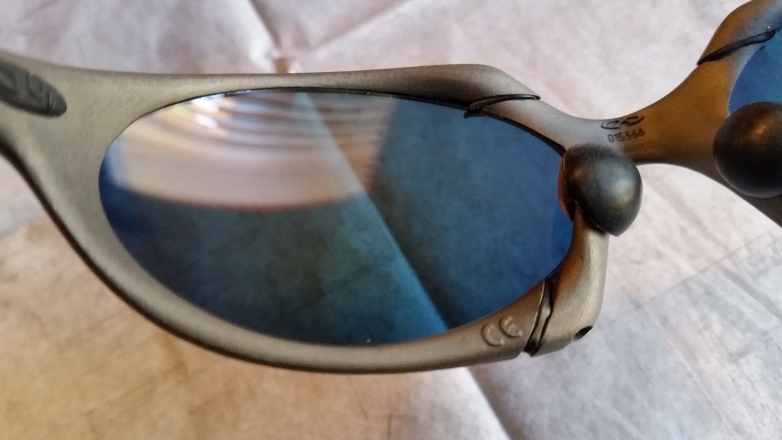 for sale Oakley Romeo 1 x metal Excellent condition - 20151125_092741.jpg