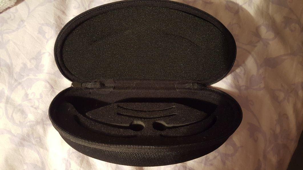 Oakley hardshell case for Mars - 20151126_011622.jpg