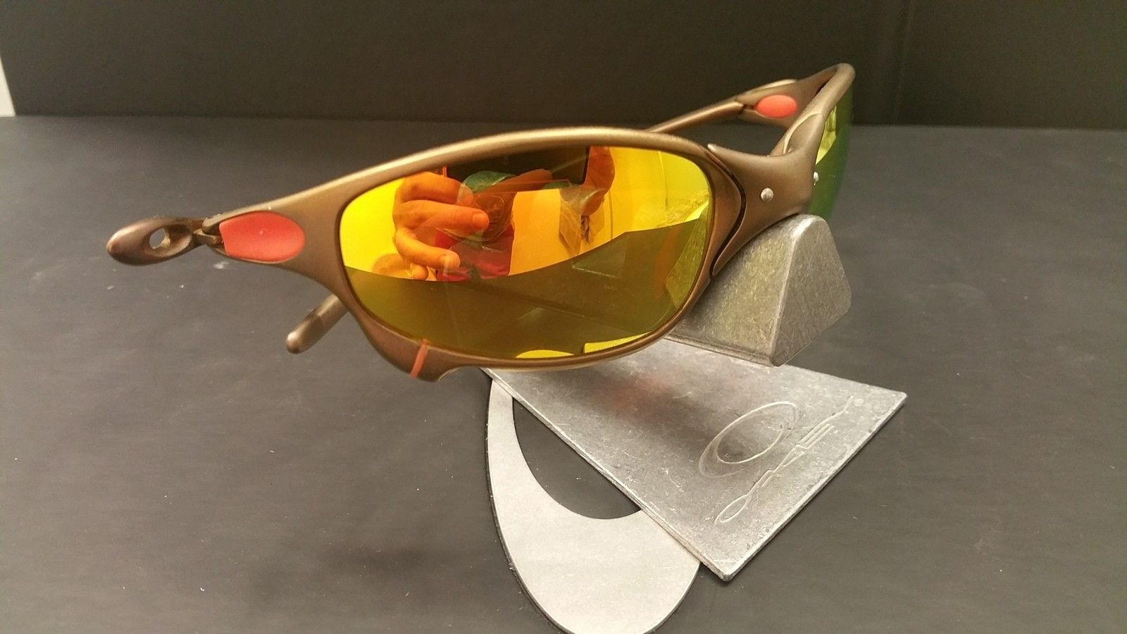 Anodized juliet with fire lenses - 20151130_222847.jpg