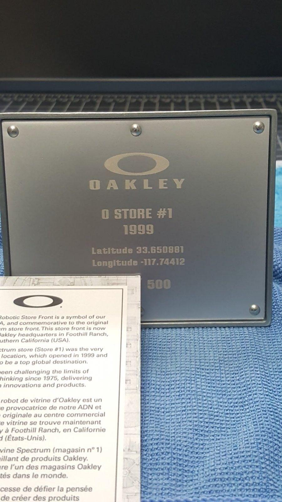 Oakley Robot Storefront - 260.00 Shipped -CONUS - 20151228_145948.jpg