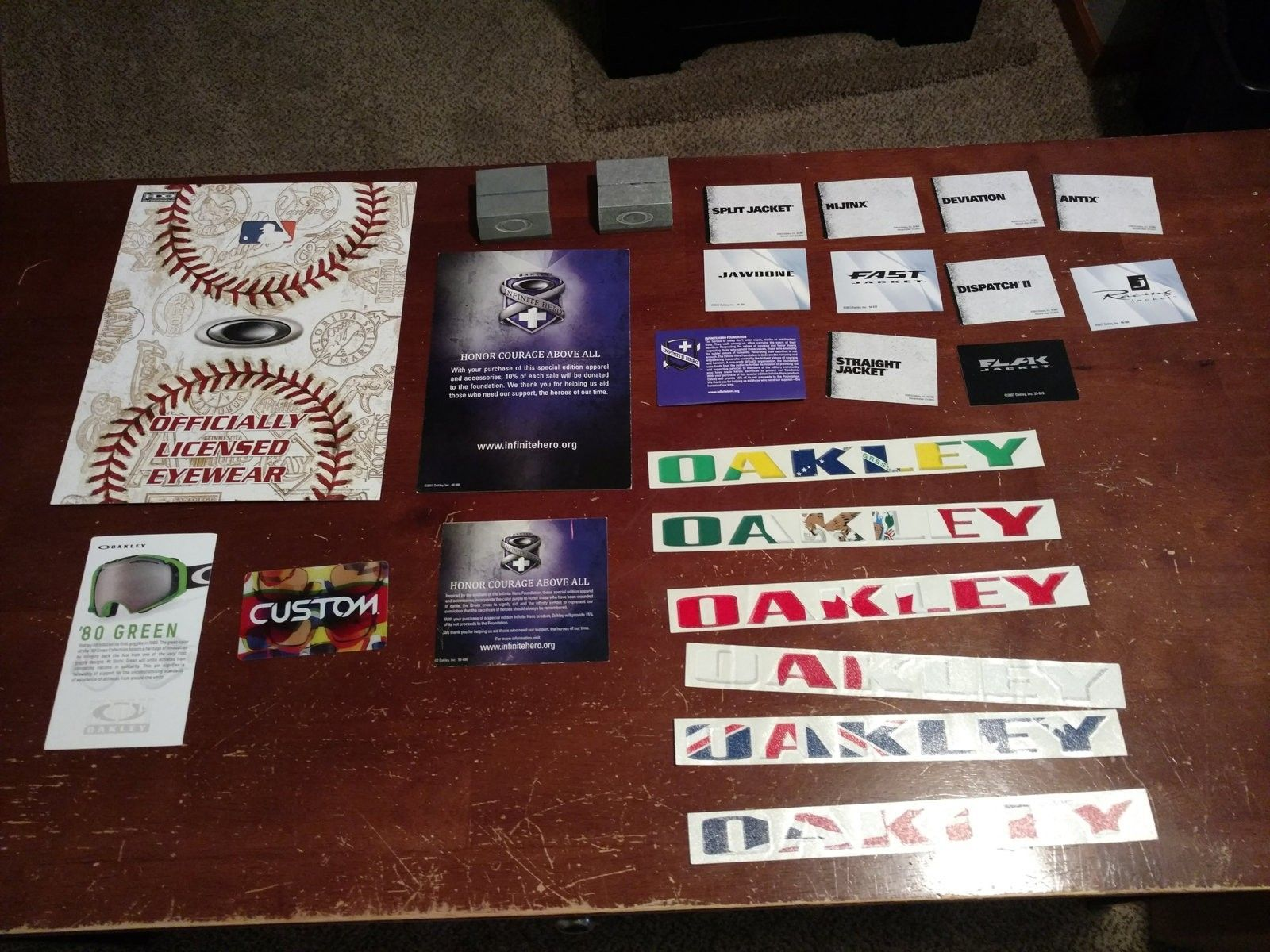 Display lot: metal card holders, lots of pop, stickers, IH pop, MLB display, more - 2016-05-31 12.12.25.jpg