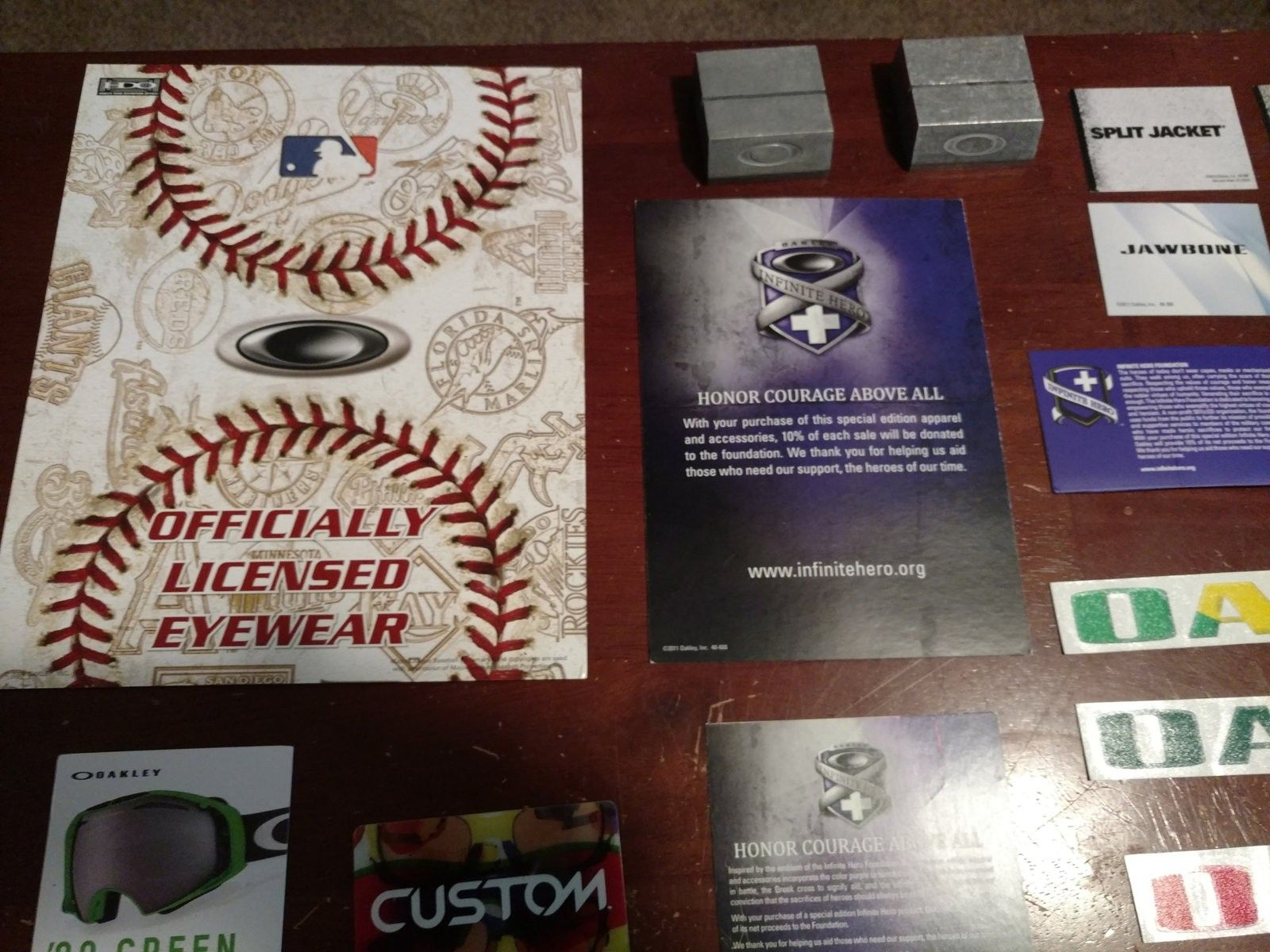 Display lot: metal card holders, lots of pop, stickers, IH pop, MLB display, more - 2016-05-31 12.12.38.jpg