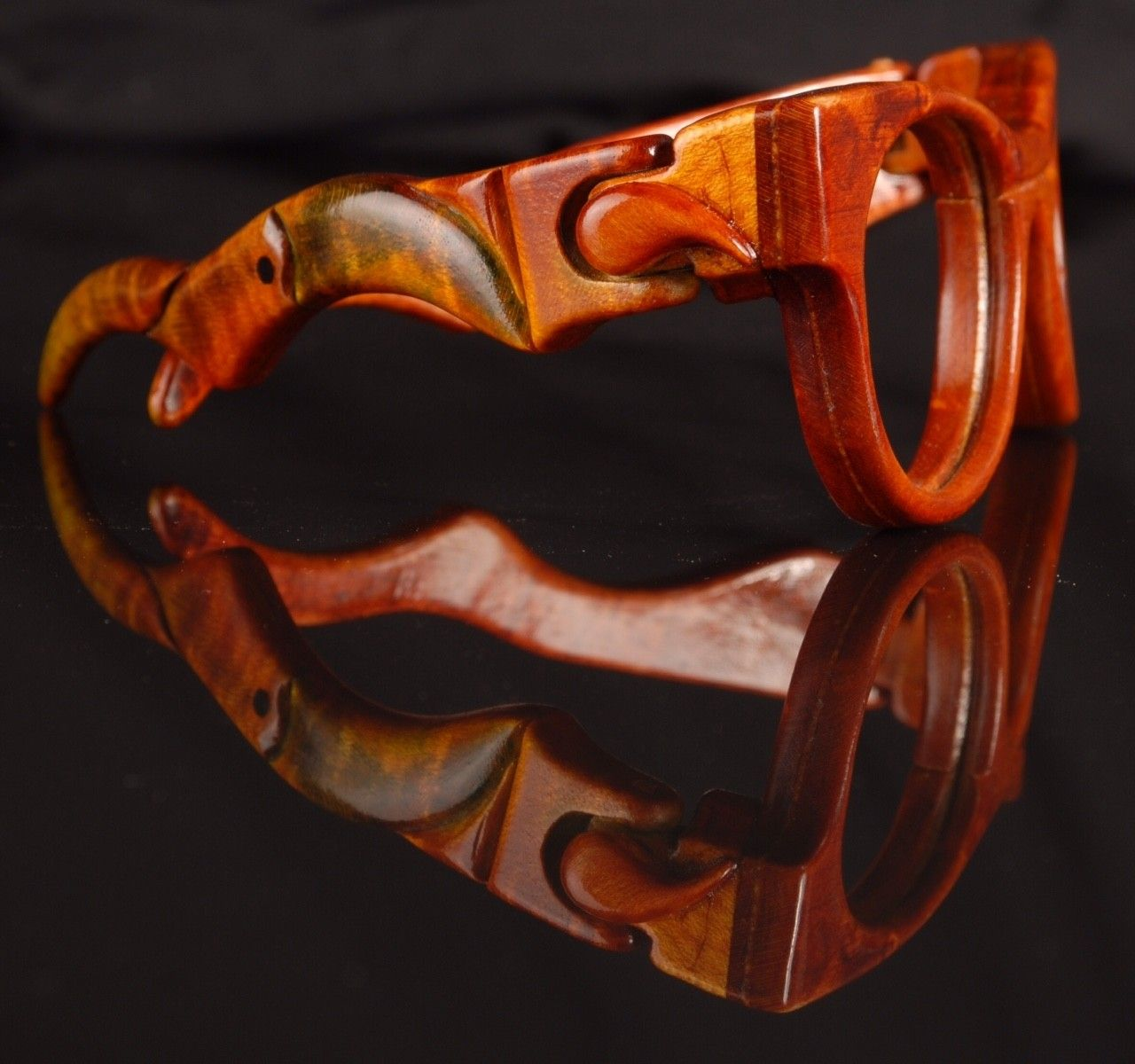Spectacular Handmade Wooden Sunglasses - 2016-05 Jaromir Toucan 01.jpg