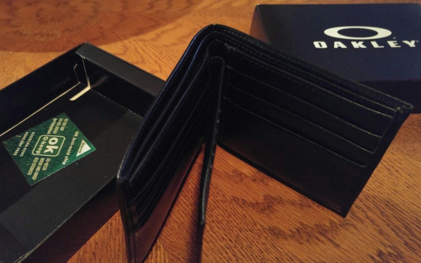 Bnib black leather wallet and bottle opener - 20160412_111541-1.jpg